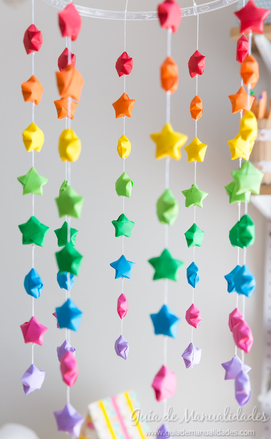 Mvil colorido con estrellas de origami  Gua de MANUALIDADES