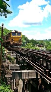Kanchanaburi rio kwai tren