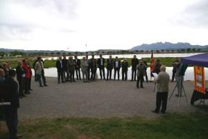 Al Parc de l'Agulla de Manresa, més de vint alcaldes de la nostra comarca han signat el Manifest dels alcaldes en suport de la caravana del Bages per la Independència.