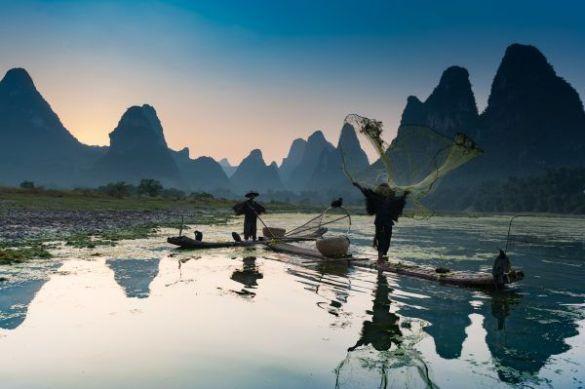 Lanzando la red en Xingping