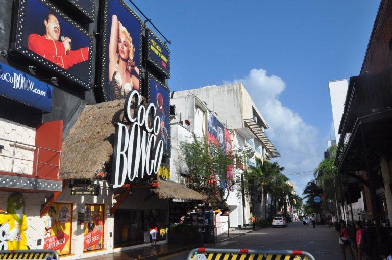 O que fazer em Playa del Carmen a noite Coco Bongo