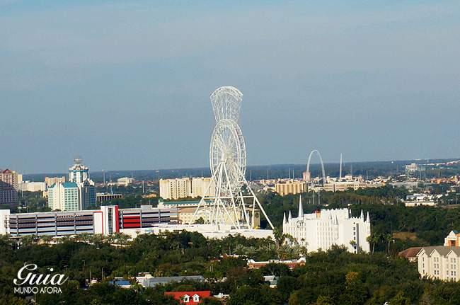 A Orlando Eye, nova roda gigante da cidade sendo construída.