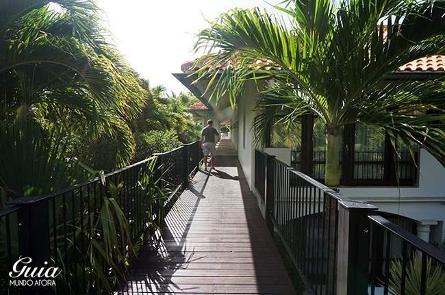 Corredores hotel Floris Suite