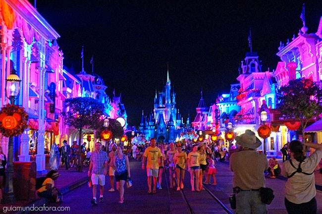 magic-kingdom-halloween