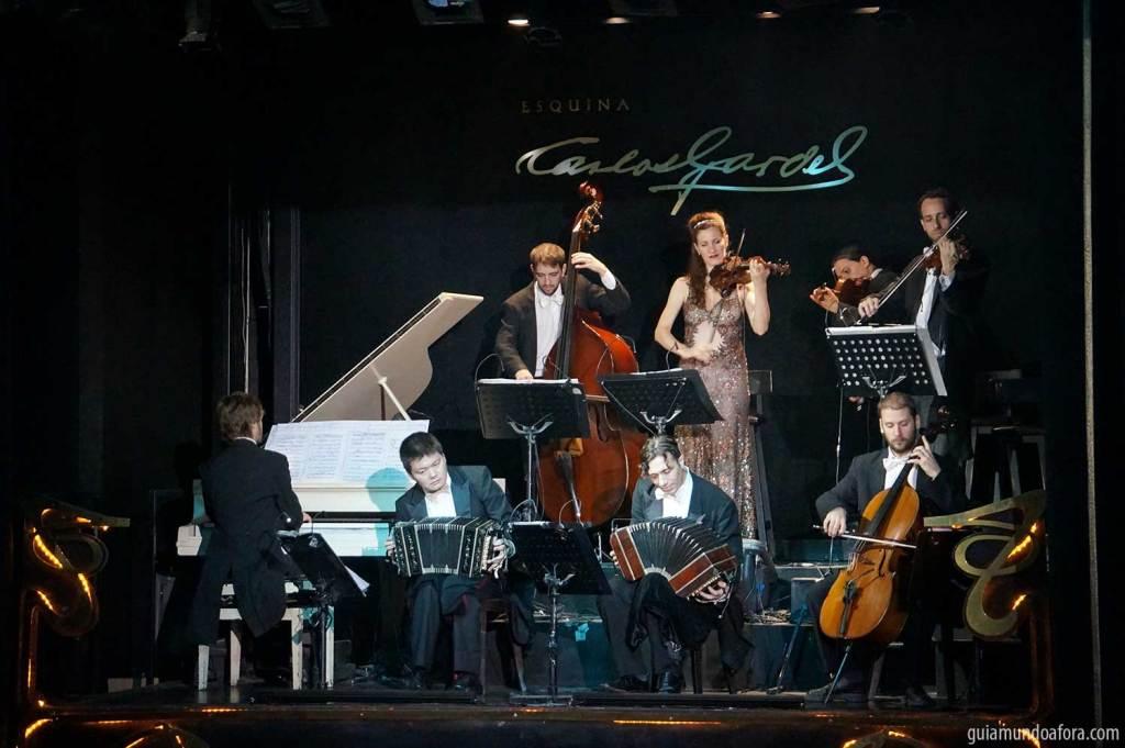 Tango em Buenos Aires Esquina Carlos Gardel