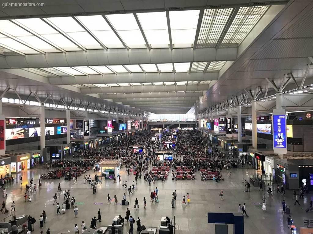 Plataforma de trem na China