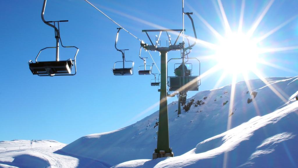 teleferido de estaçnaod e ski em santiago Farellones