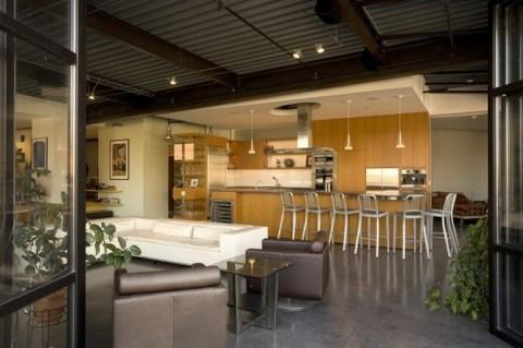 Moderno loft junto a las montaas