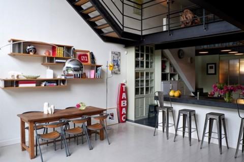 Un loft en un espacio industrial