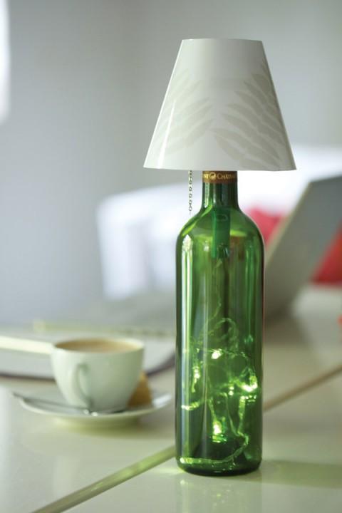 Decorativas lmparas con botellas recicladas
