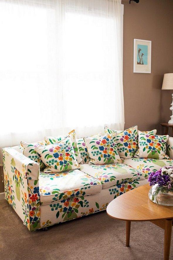 tan fabric sofa sofas for small living rooms uk sofás con estampado floral para el