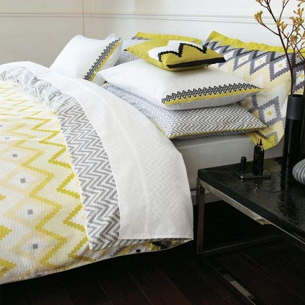 Renueva tu dormitorio con ropa de cama en amarillo y gris