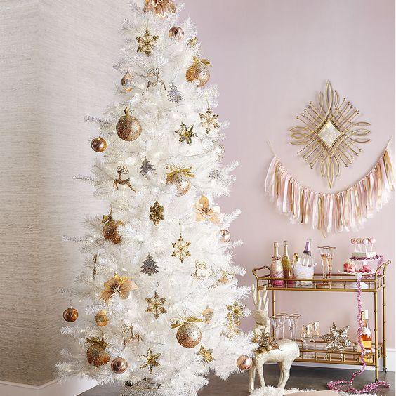Ideas para decorar un rbol de Navidad blanco
