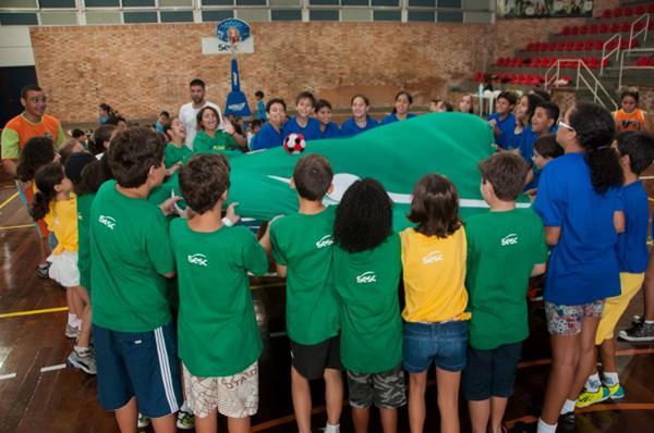 Colônia de Férias Jogos _ Claudia Dantas (Copy)