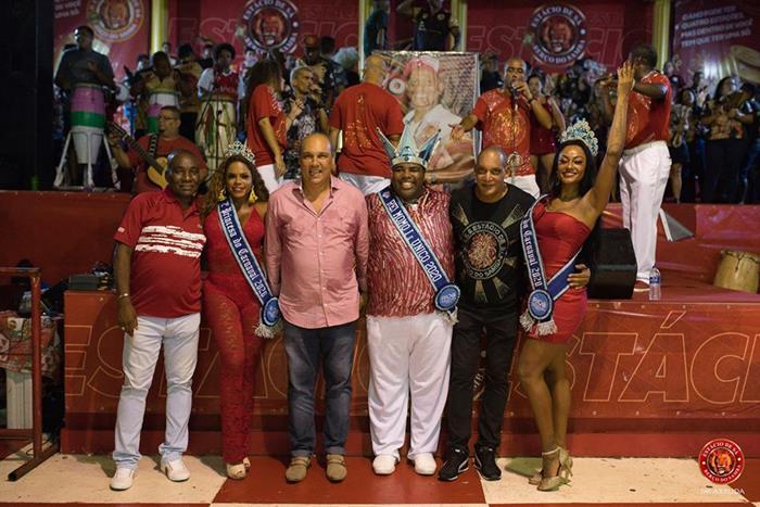 Presidente Leziario Nascimento, Vice Presidente Edson Marinho e Diretor de Carnaval Marcão Selva com corte do Carnaval