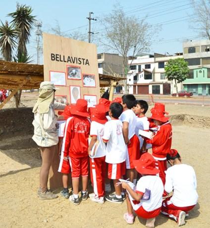 Visita de escolares al sitio