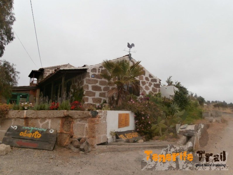 Llegada a la pista finalizado el sendero de El Tope (zona Ifonche)