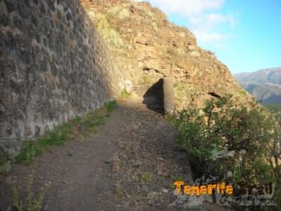 Entrada del camino real de sur en la carretera cercano al Mirador del Don Martín