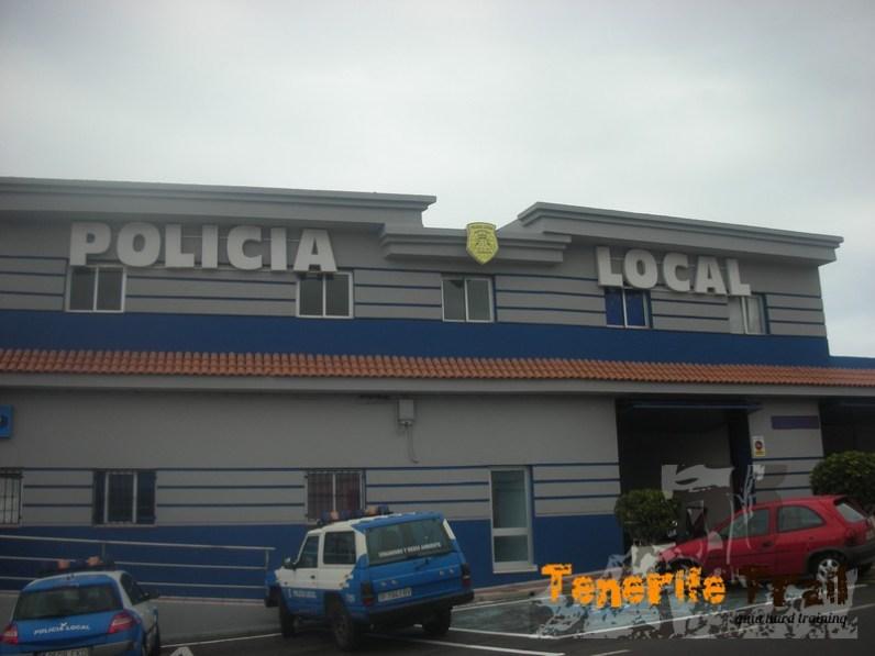 Policía Local Santiago del Teide cruce en Los Gigantes