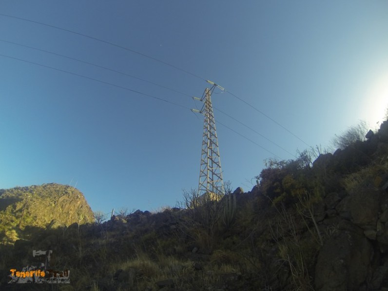 Torre electrica referencia subida a Pico La Leña