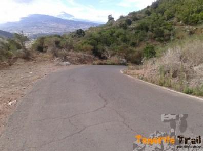 carretera hacía Jardina donde cogeremos la pista del Tomadero hasta Tahodio