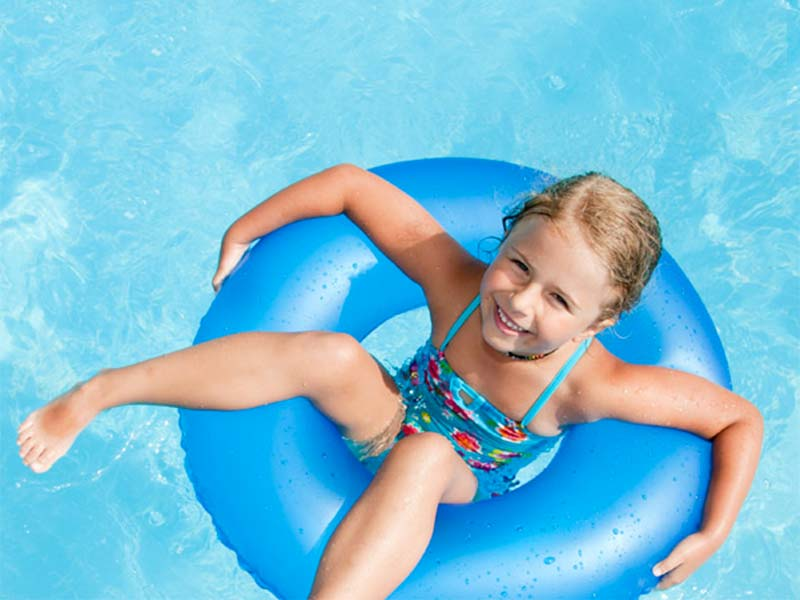 head_cleaners_pidocchi_piscina