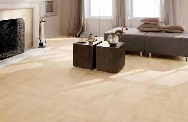 Pavimento in grs effetto legno ed effetto marmo
