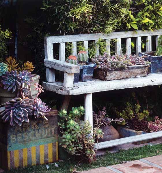 10 materiali da riciclare per un giardino ecologico a impatto ridotto