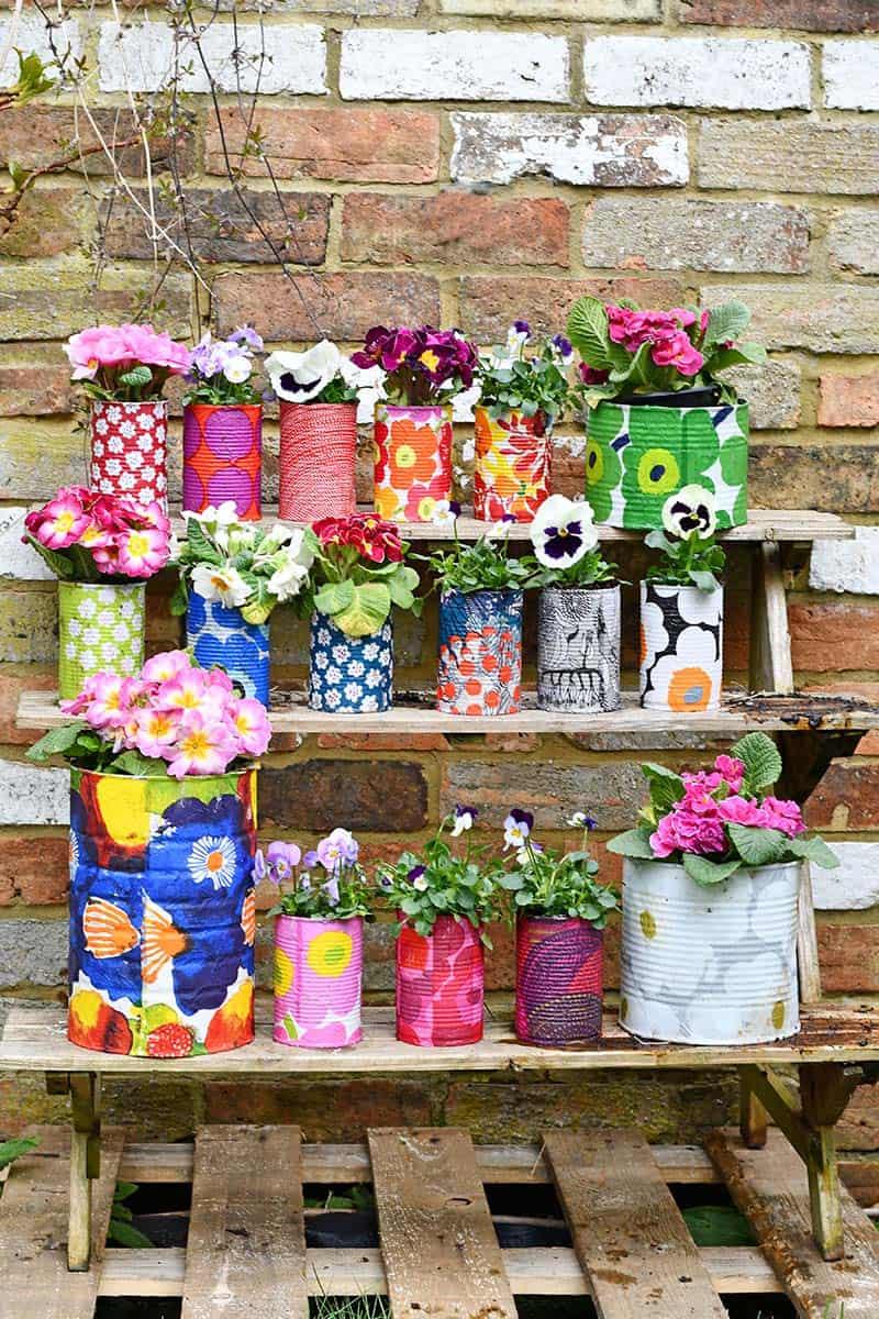 giardinaggio con i bambini: vasi fai da te con i barattoli di latta