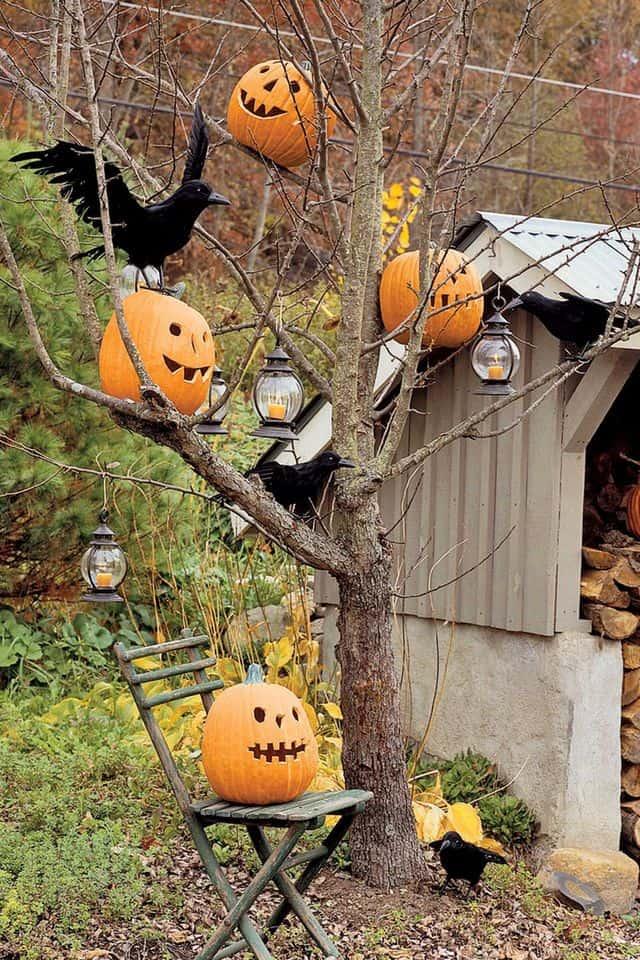 decorazioni a tema Halloween per il giardino