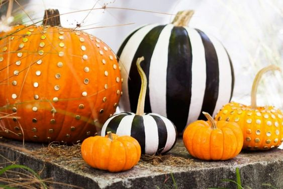 Zucche decorate e dipinte per Halloween