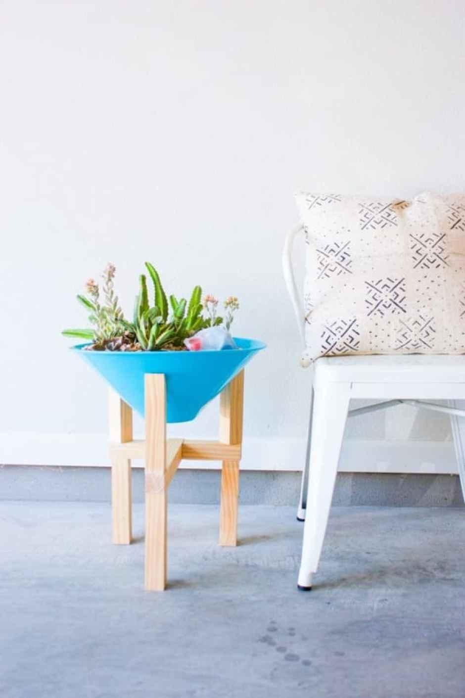 Supporto in legno per il vaso delle piante