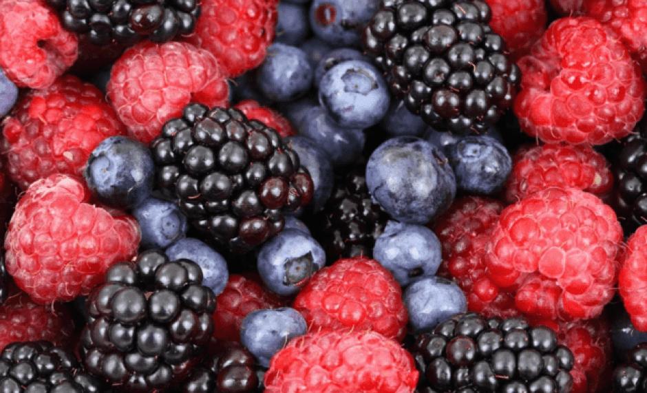 Mix di frutti rossi: more, lamponi e mirtilli.