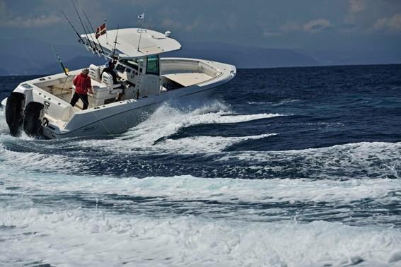 Le Boston Whaler 2x300ch d'OTF / Obsession Tuna Fishing vous guidera dans les pêches sportives de la côte basque