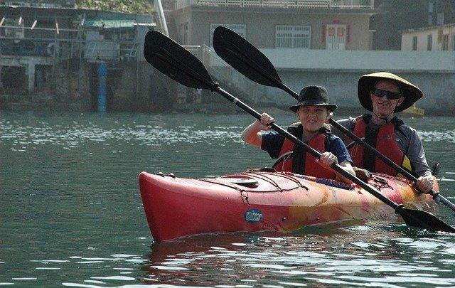 Pratiquer le kayak: les bienfaits sur le physique
