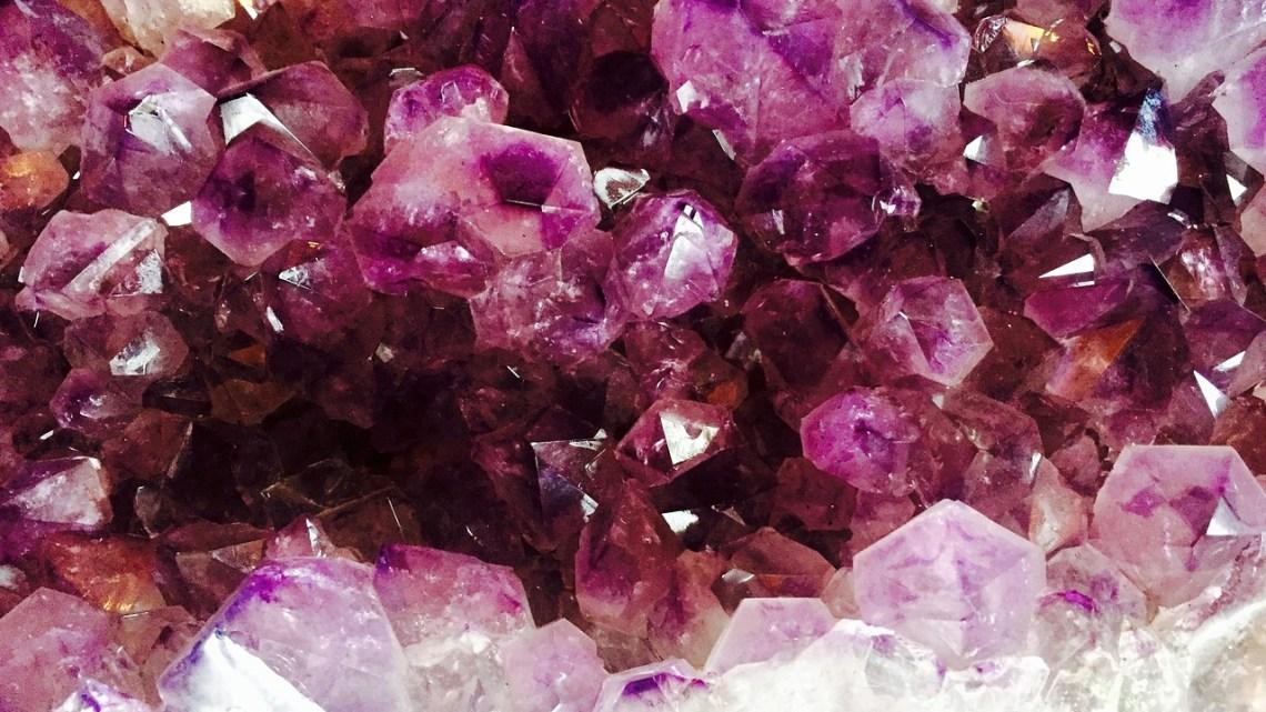 Bien-être : quels sont les bienfaits des pierres d'énergies?