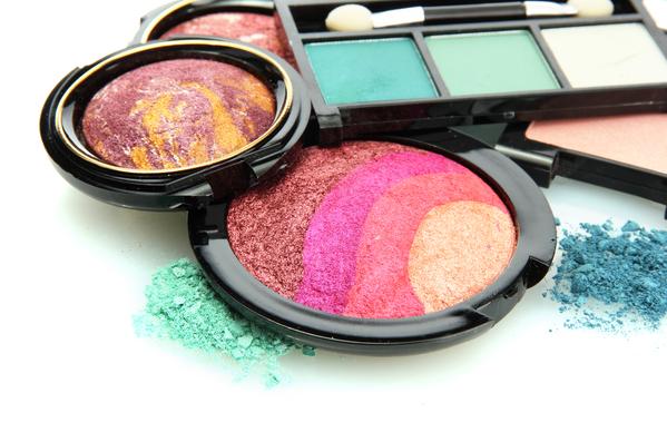 Ce qu'il faut savoir avant d'acheter un produit cosmétique