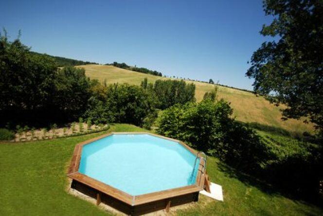 Un beau jardin autour de votre piscine horssol