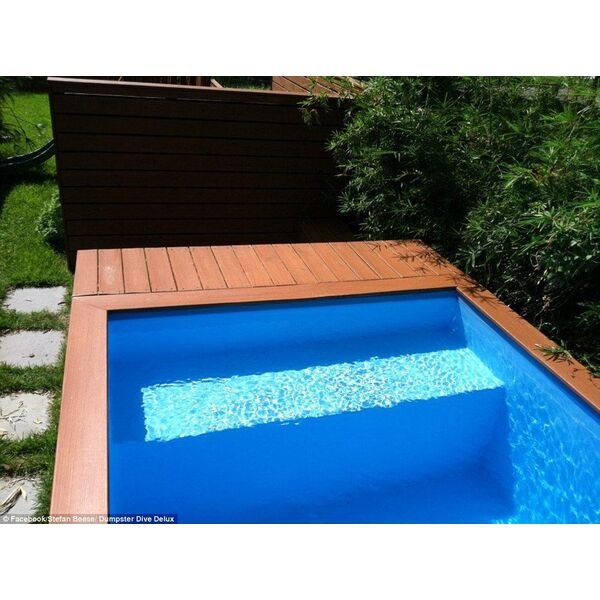 Une piscine faite avec un conteneur  ordures  lide rcup du jour