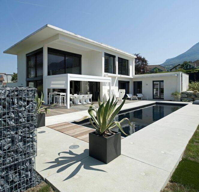 Les plus belles piscines tendances et modernes en photos  Piscine Black  White