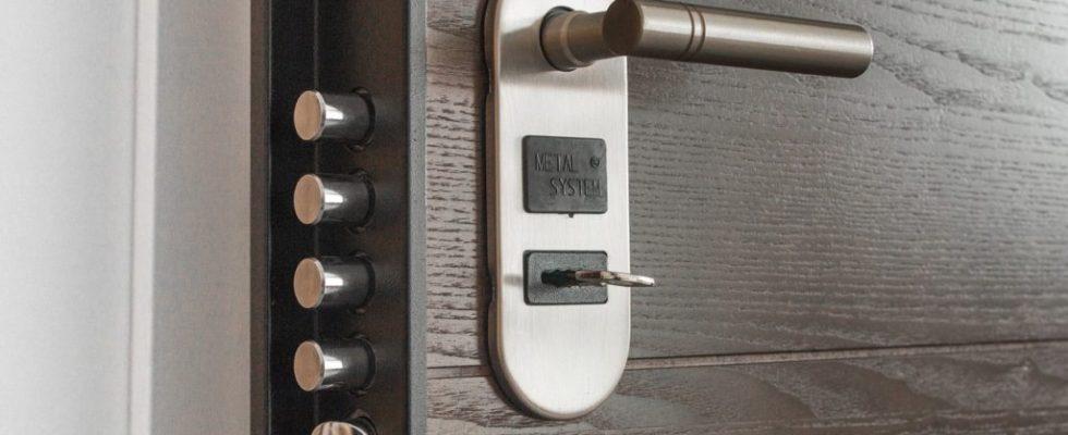 changer la serrure de la porte d'entrée