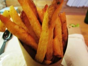 slouvaki frites1
