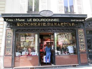 Quelques devantures de boutiques originales guide resto paris trouvez les meilleures tables - Le bistrot d yves ...
