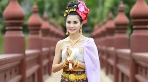 depositphotos_45249393-thai-woman-salute-of-respect