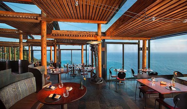 Restaurant på Post Ranch Inn