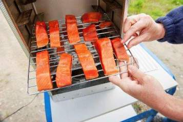 How to Smoke Salmon in an Electric Smoker