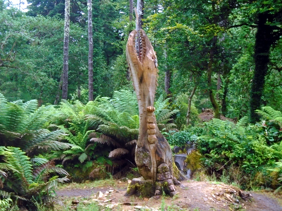 ferns and tree sculptureDSC00780