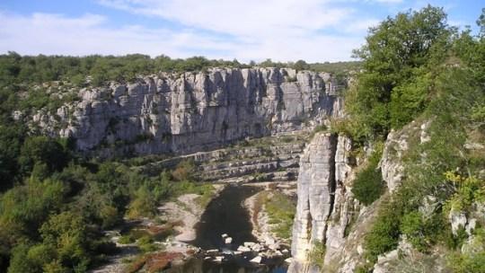 Destination l'Ardèche pour les prochaines vacances en famille: pourquoi pas?