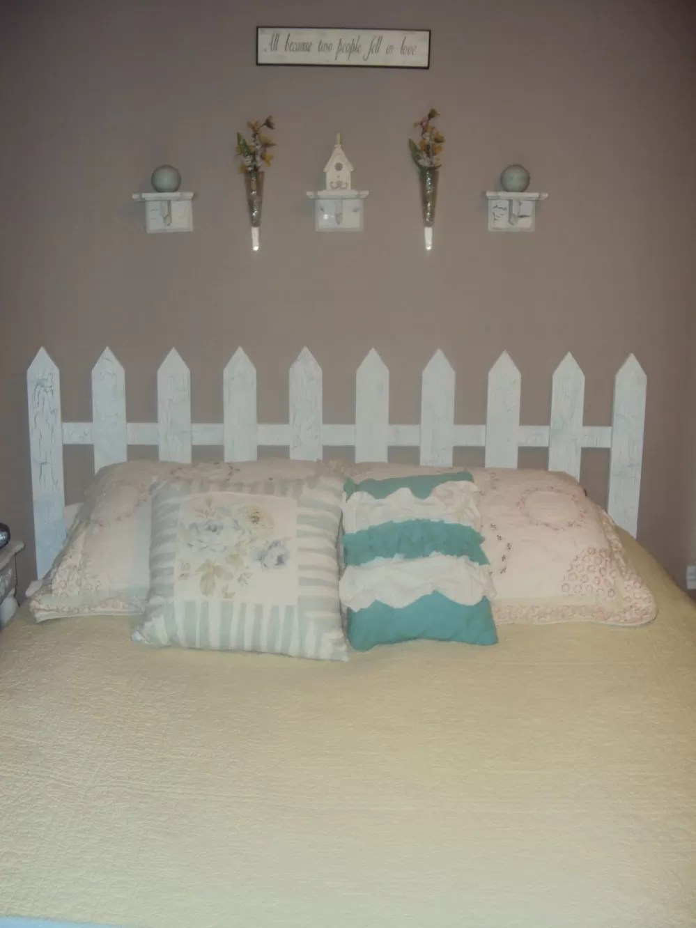 14 Picket Fence Headboard Plans for a Country Look  Guide Patterns