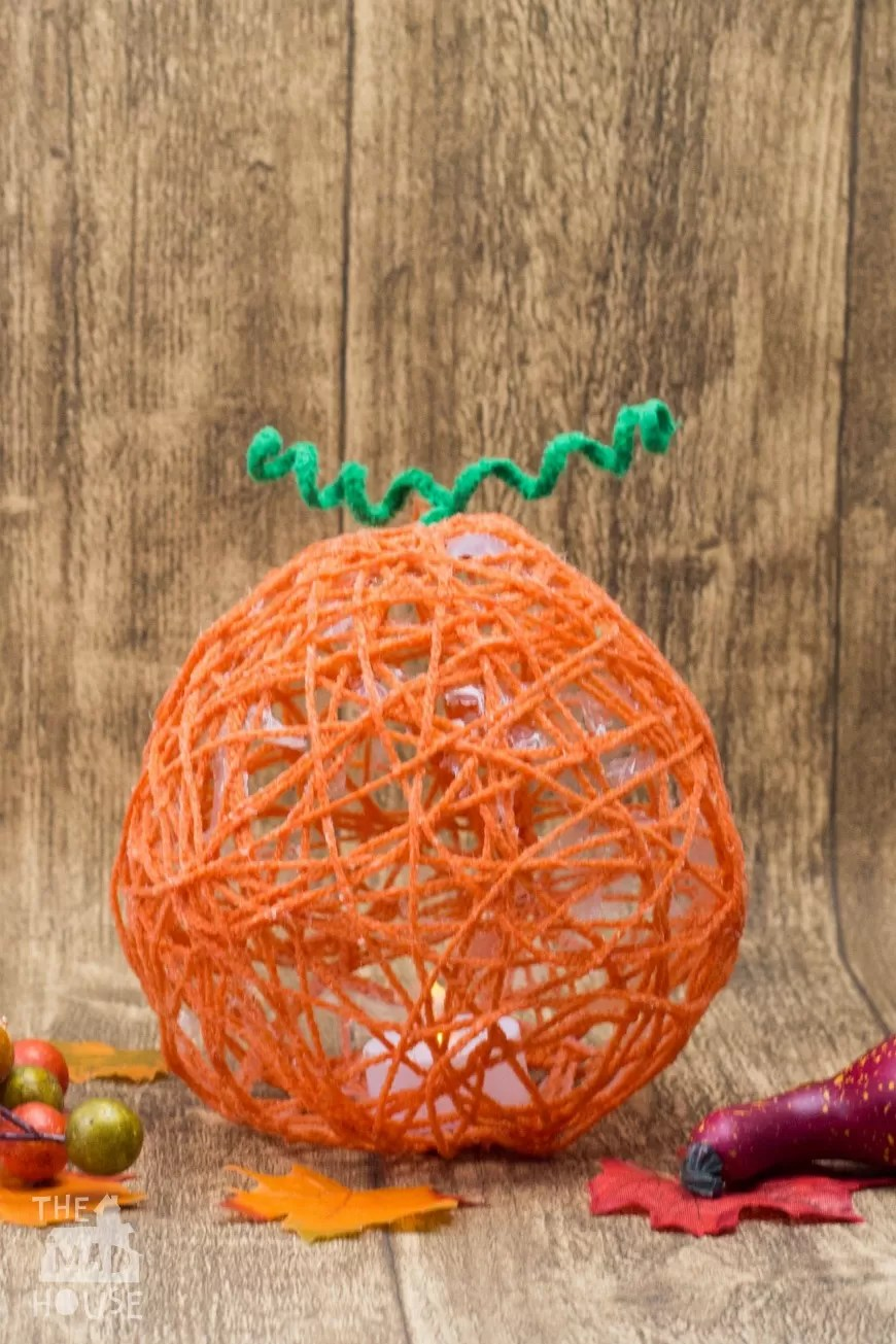 14 DIY Yarn Lanterns You Can Make  Guide Patterns